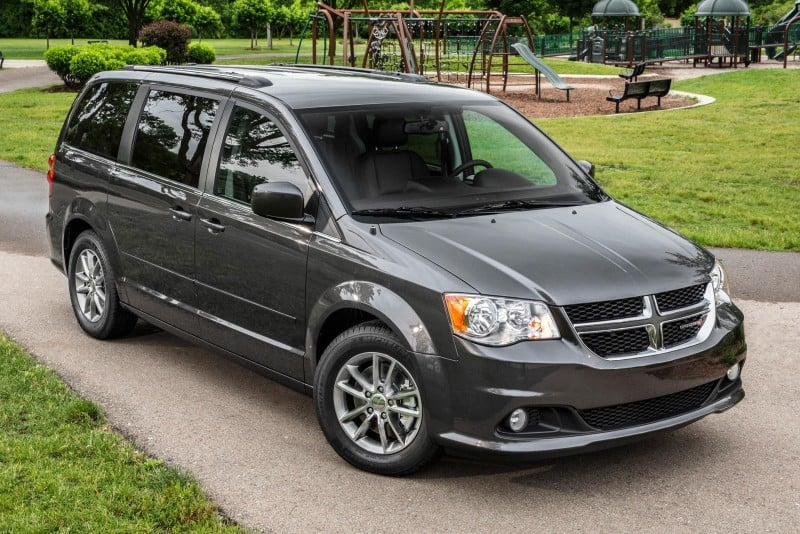 2018 Dodge Grand Caravan - right front view