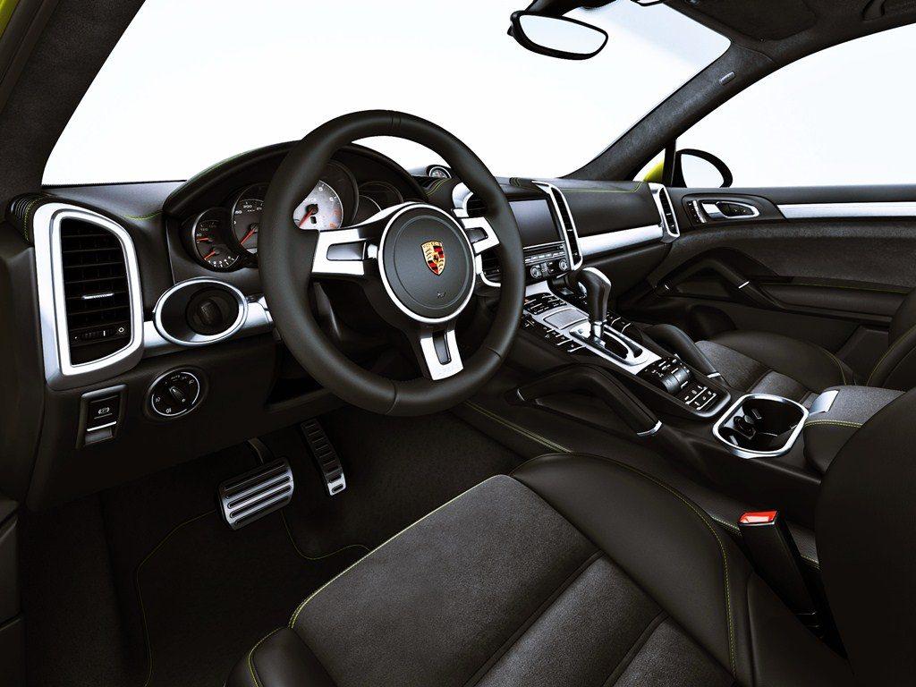 2013 Porsche Cayenne GTS 3