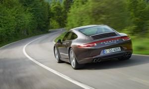 2013-porsche-911-carrera-4s rear