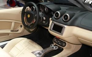 2013-Ferrari-California-interior