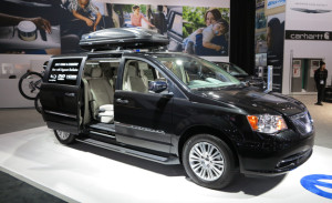 2013-chrysler-town-country-side
