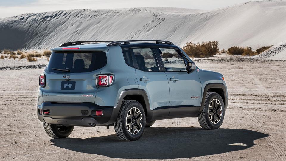 jeep-renegade-rear-view