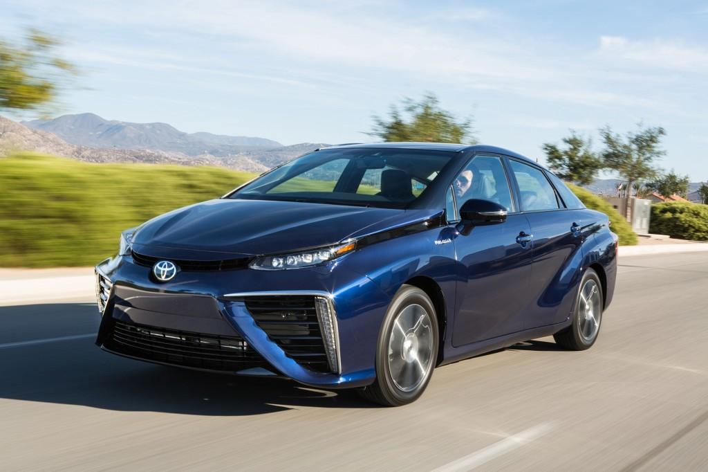 2016 Toyota Mirai On the Road