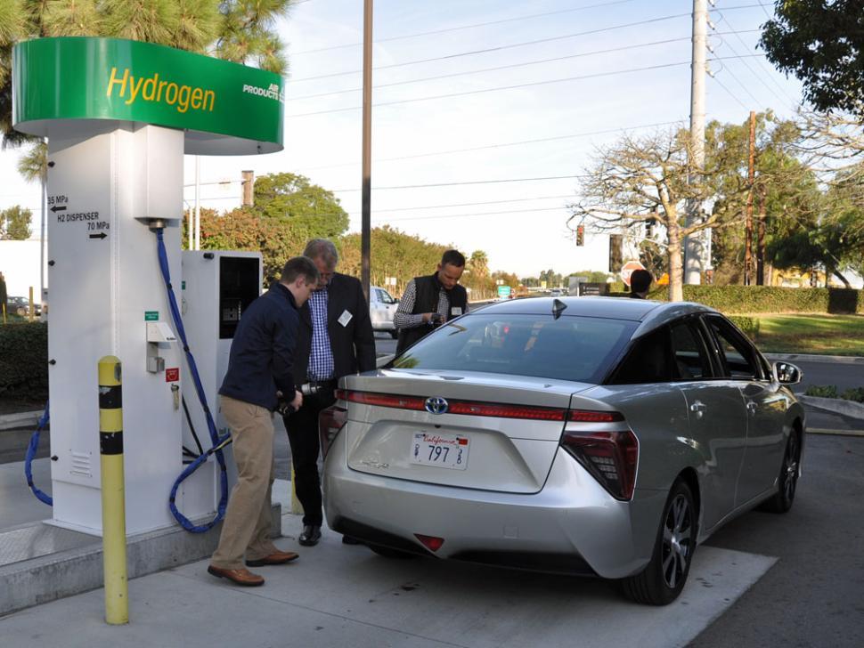 Charging The New 2016 Toyota Mirai