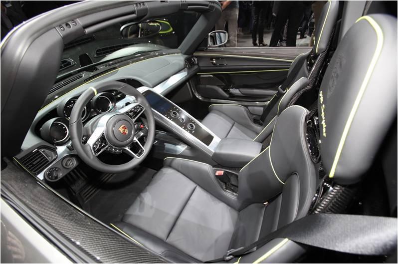 2015 Porsche 918 Spyder Redefining the Future of Super Cars 12