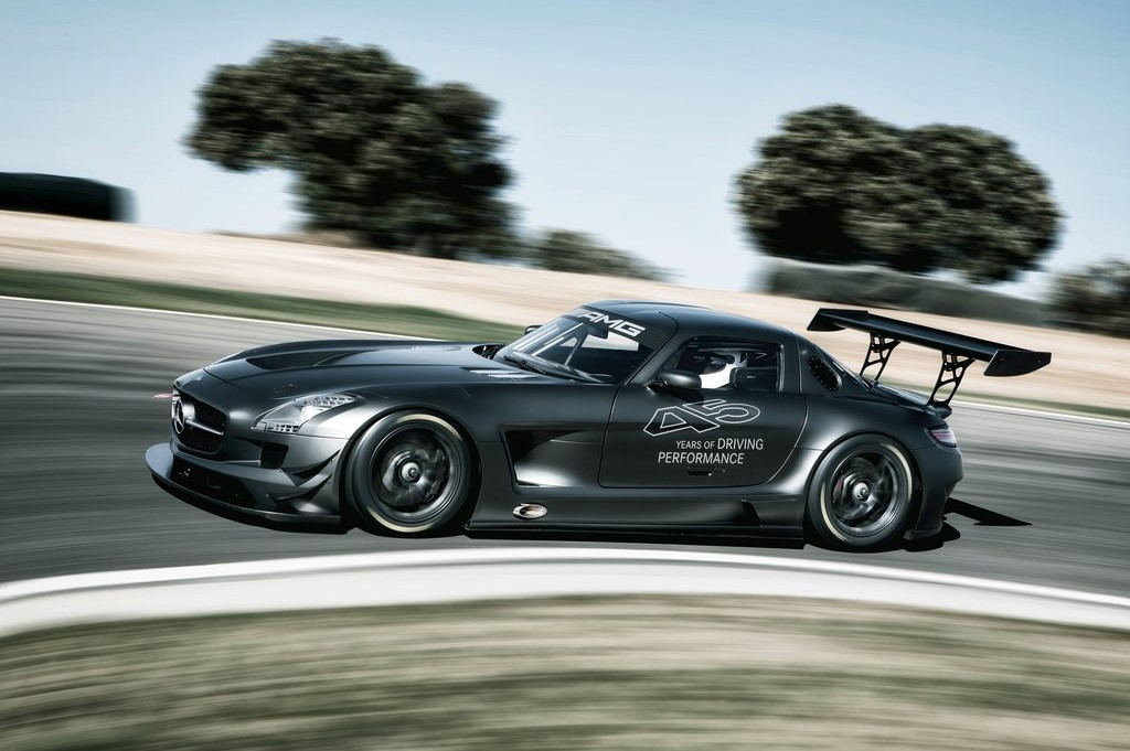 600 HP 2016 Mercedes AMG GT 3 Racing Version Is in the Works