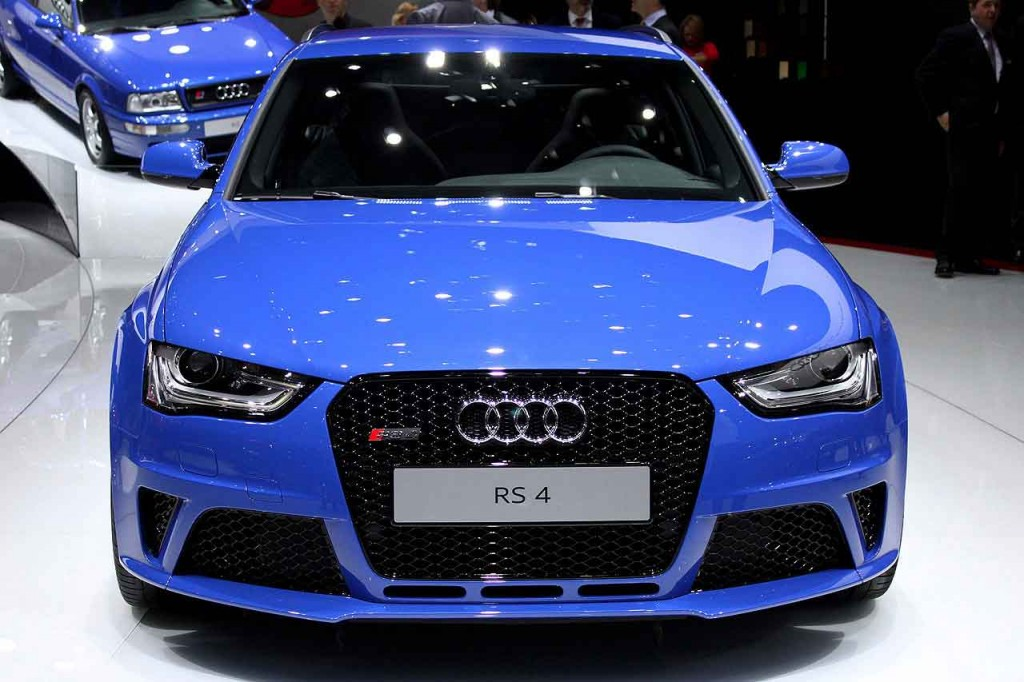 2015 Audi RS4 Twin Turbo V6 Wagon Front View