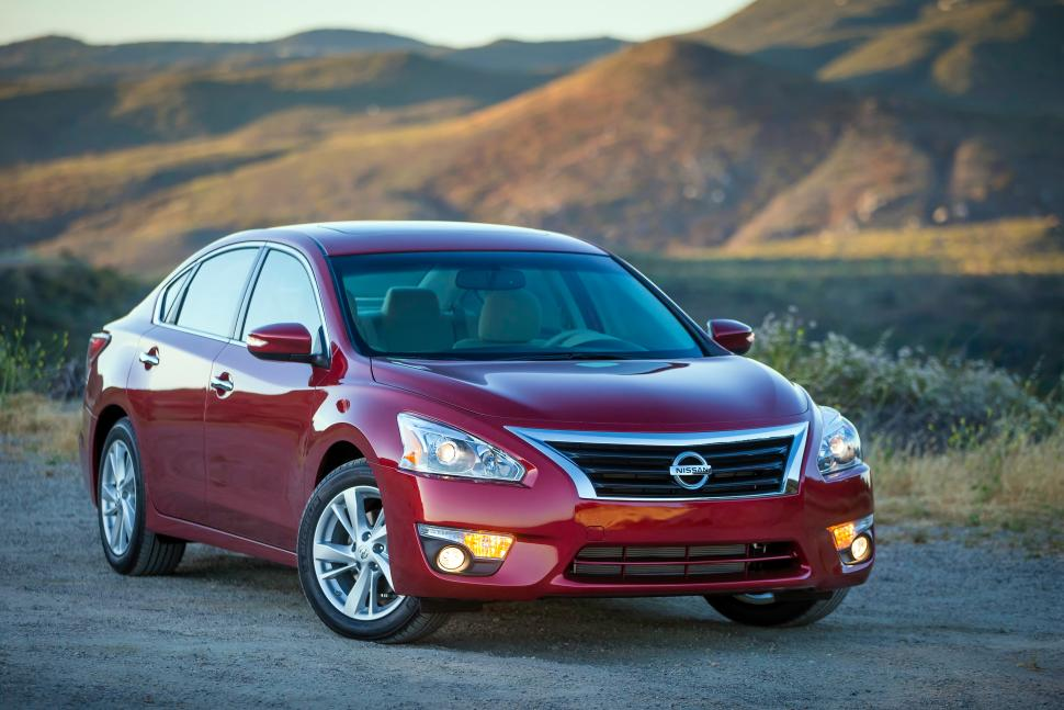 2015 Nissan Altima Front
