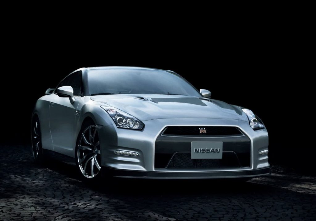 2015 Nissan GT-R 45th Anniversary Edition (Japanese spec) Front