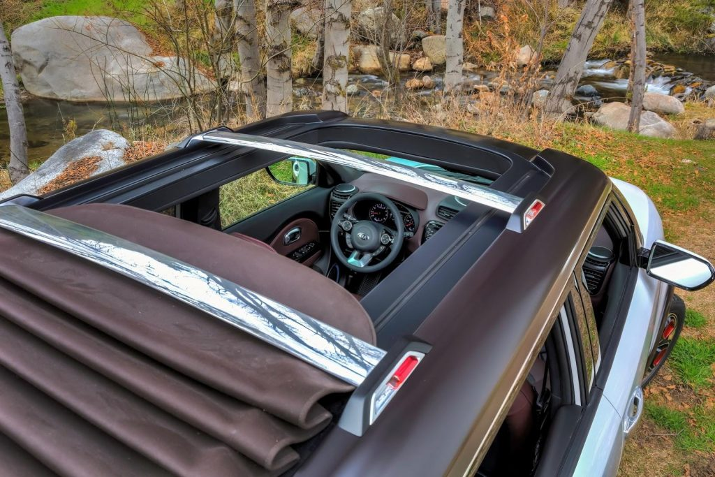 Kia Trailster Convertible Roof