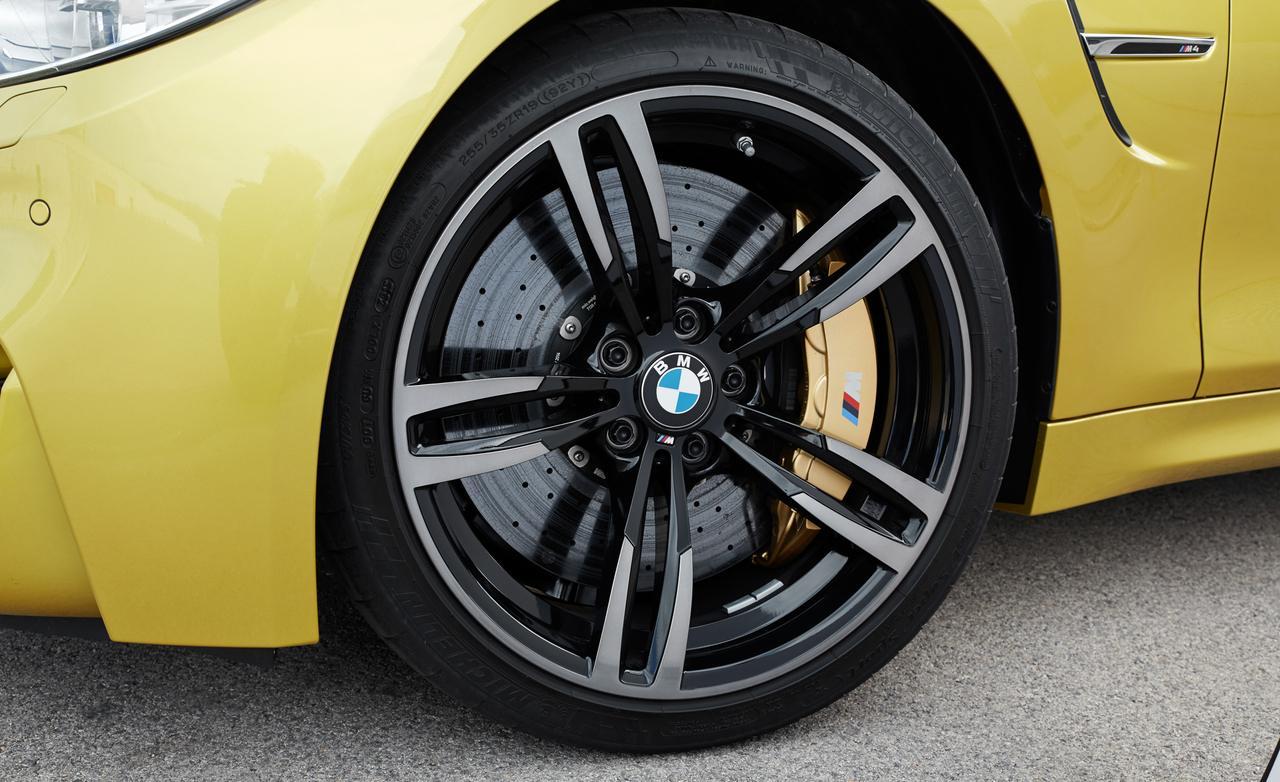 Mustang GT Vs M4 7
