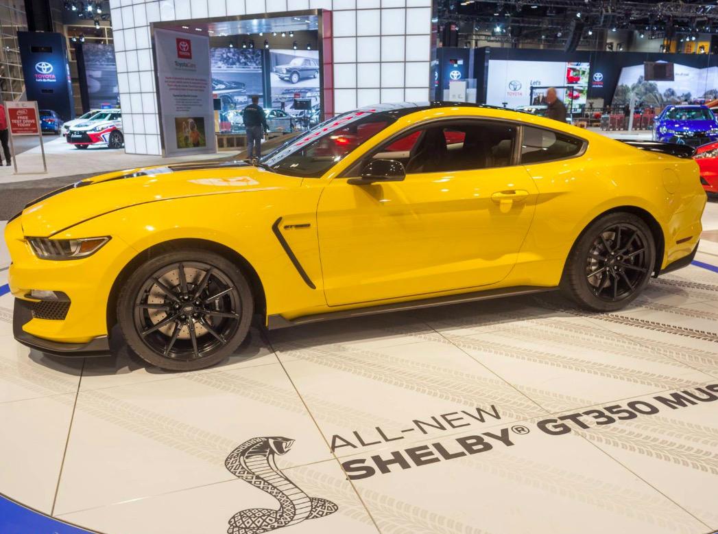 Mustang GT Vs M4