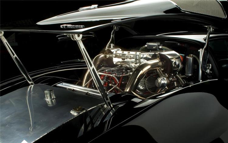 1963-chevrolet-corvette-v7-engine