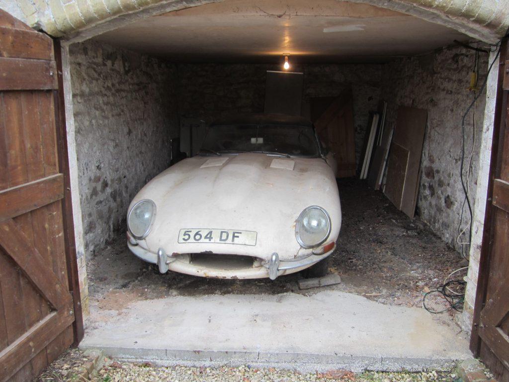 1961_Jaguar_e-type_4
