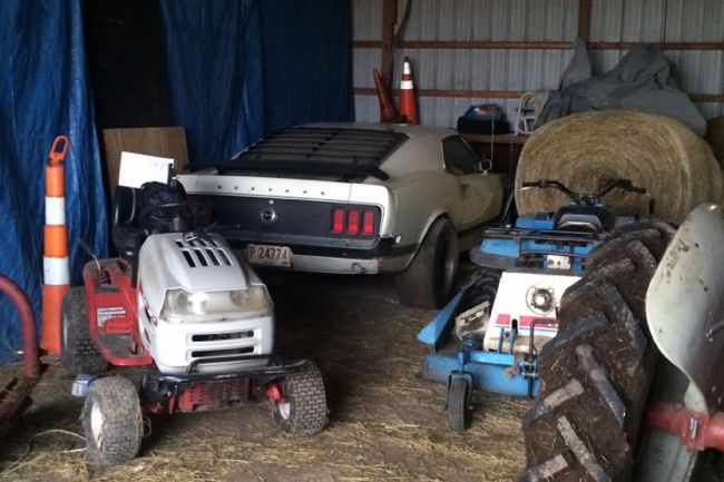1970-ford-mustang-boss-302-barn-find-storage