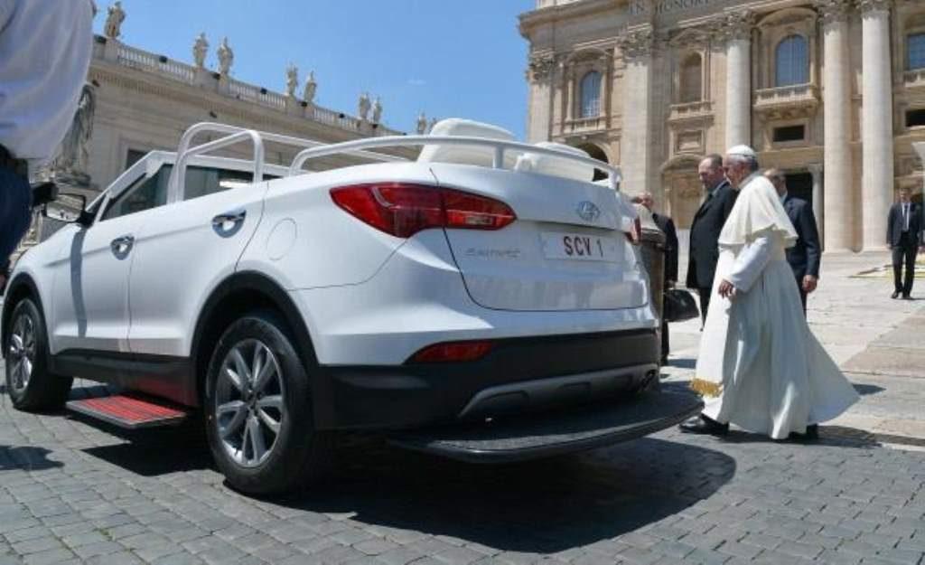 Hyundai Santa Fe New Popemobile