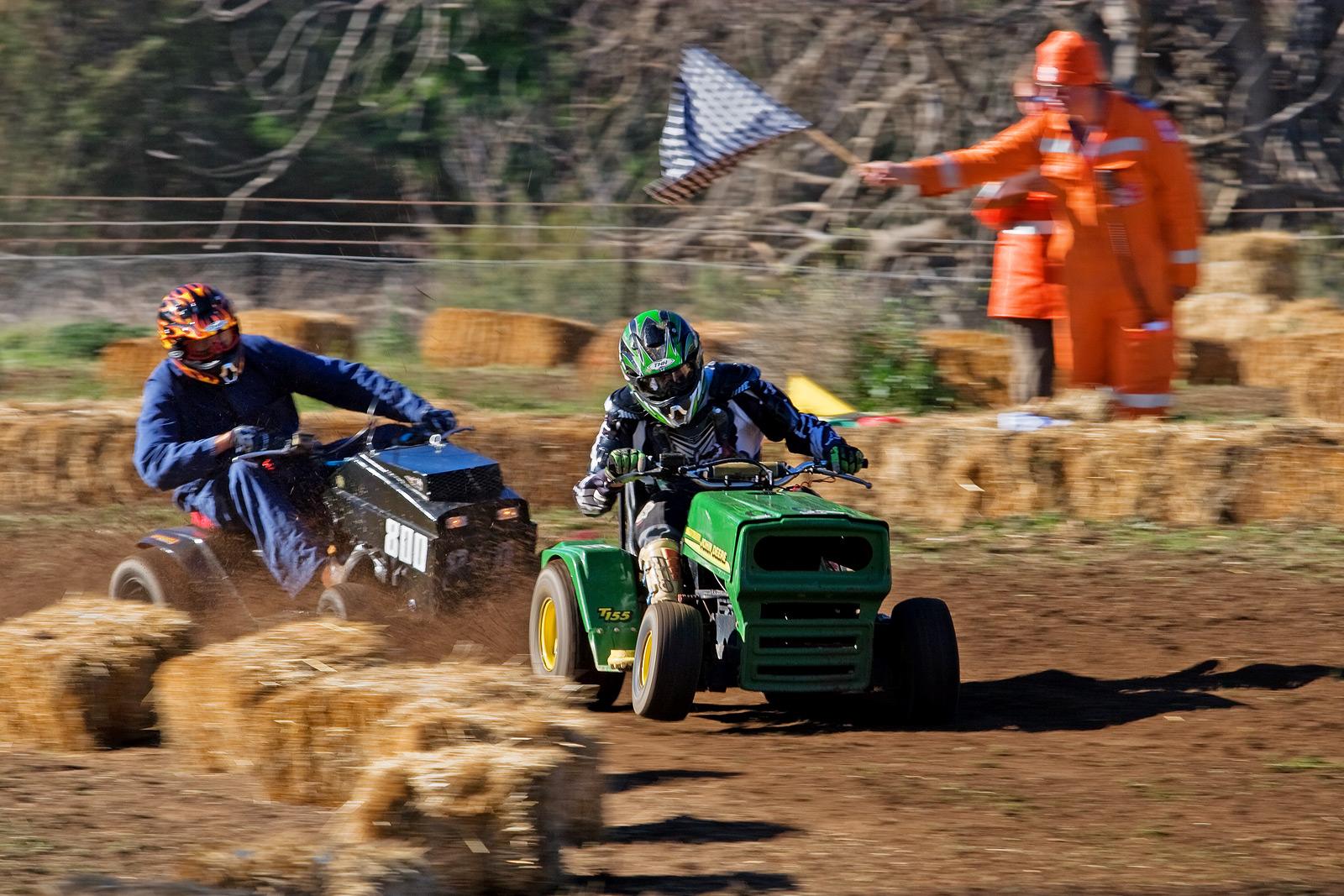 2007_swifts_creek_lawnmower_races04_edit