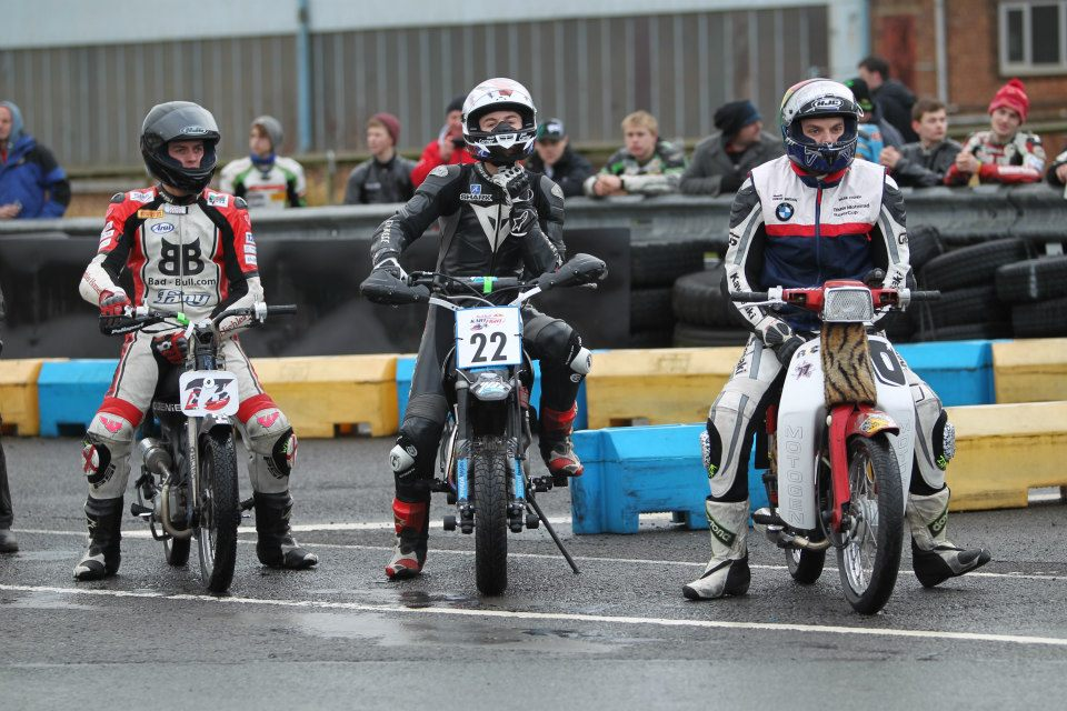 Start of 6 hour moped race