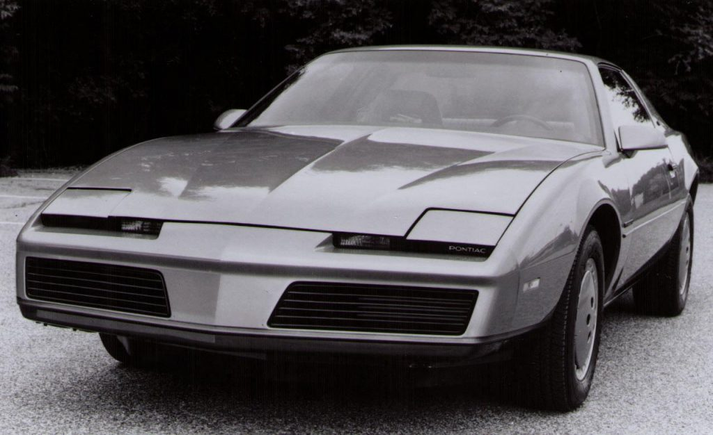 1982-pontiac-firebird-photo-274815-s-1280x782