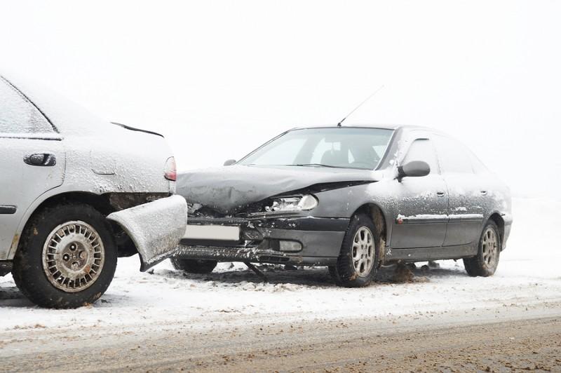bigstock-car-crash-ca-accident-at-snow-18986789