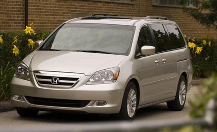 2006-honda-odyssey-touring-photo-39119-s-986x603