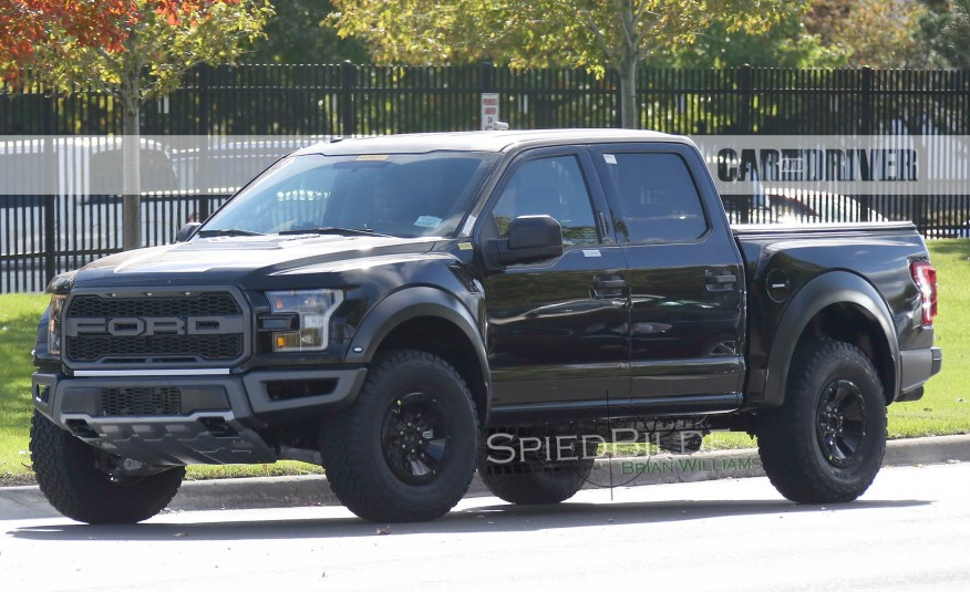 2017-Ford-F-150-Raptor-Spy-Photos-102-876x535