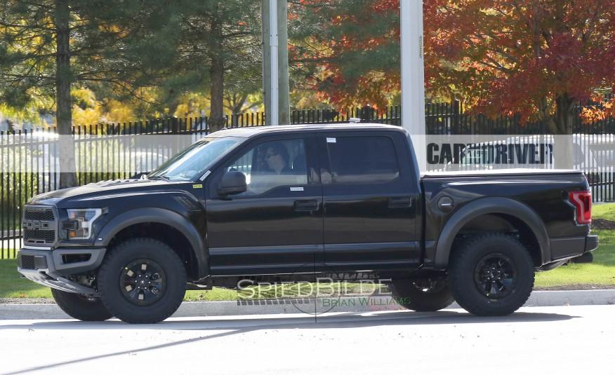 2017-Ford-F-150-Raptor-Spy-Photos-105-876x535