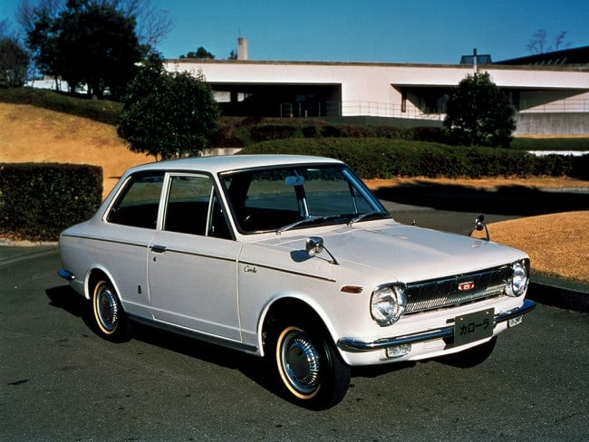 Top-10-Best-Selling-Cars-of-All-Time-Toyota-Corolla-37.5-million-units-1966
