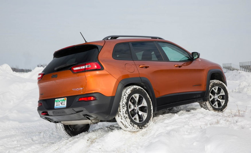 2015-Jeep-Cherokee-Trailhawk-107-876x535
