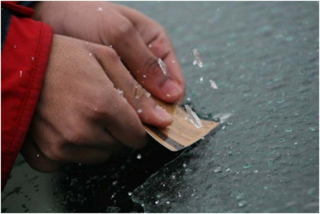 First-buy-a-cheap-ice-scraper.-Second-if-you-cant-use-a-non-metal-spatula-or-any-plastic-card-in-your-wallet-to-chip-away-the-ice