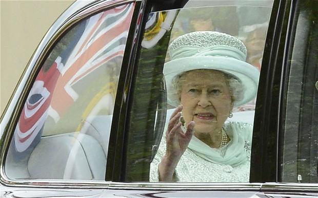 queen-limo-car_2239528b