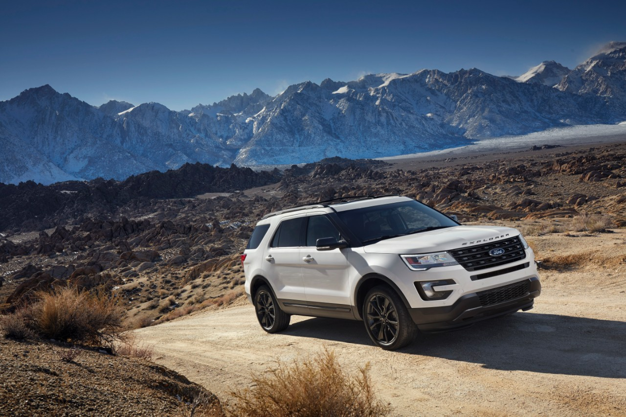 2017 Ford Explorer XLT Sport Appearance Package 4