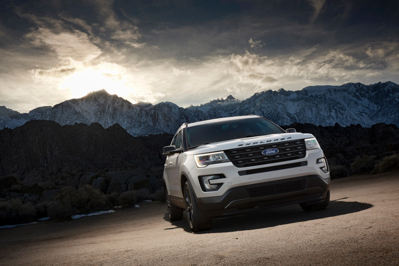 2017 Ford Explorer XLT Sport Appearance Package 8