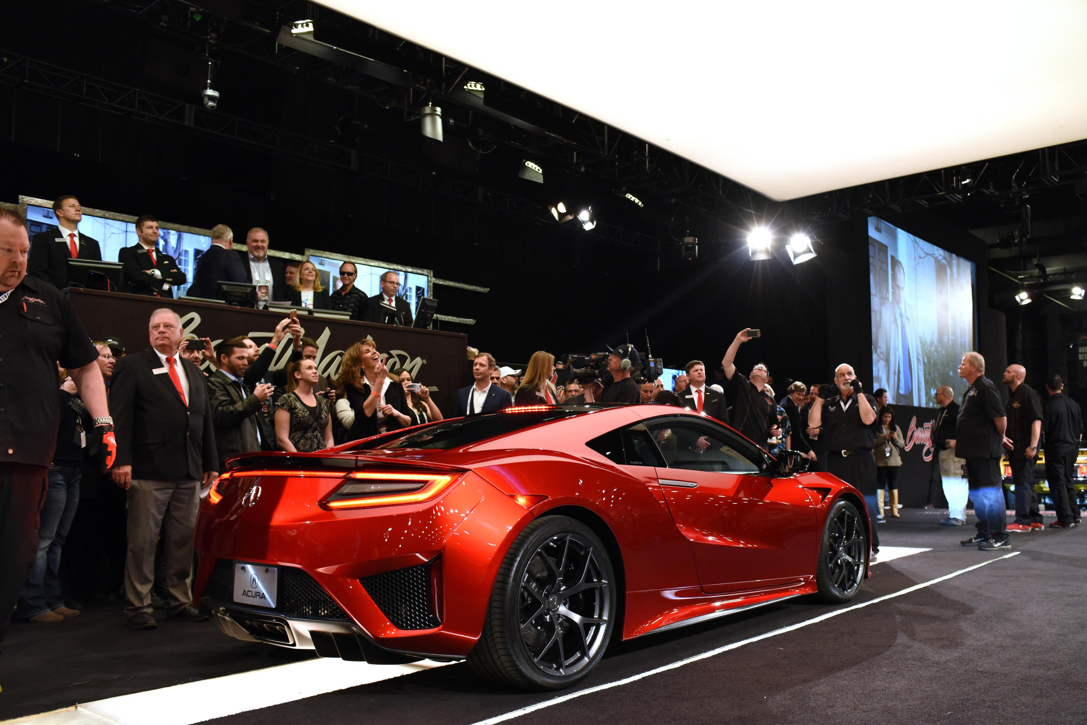 first-production-my-2017-acura-nsx-sells-in-auction-for-12-million_3