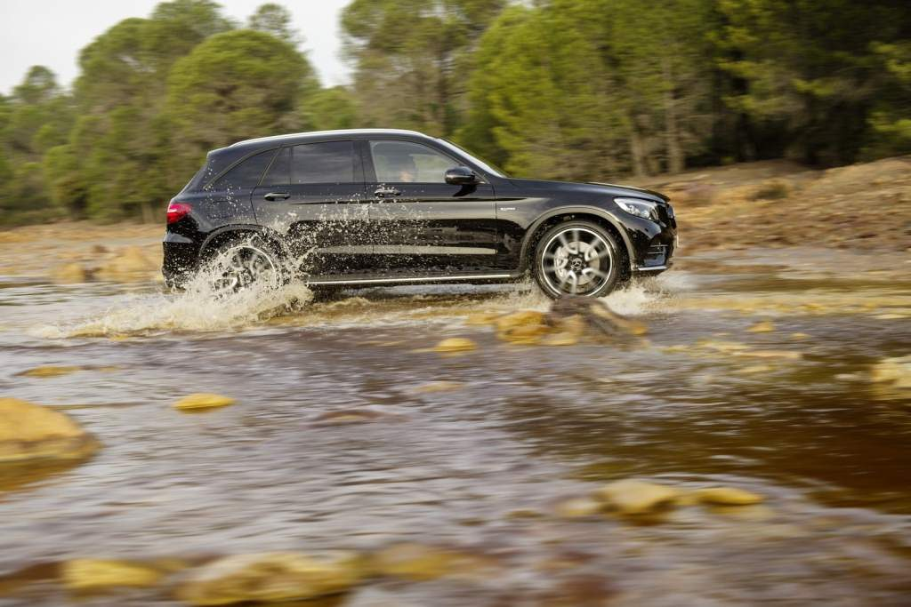 2017-mercedes-amg-glc-43-4matic-06