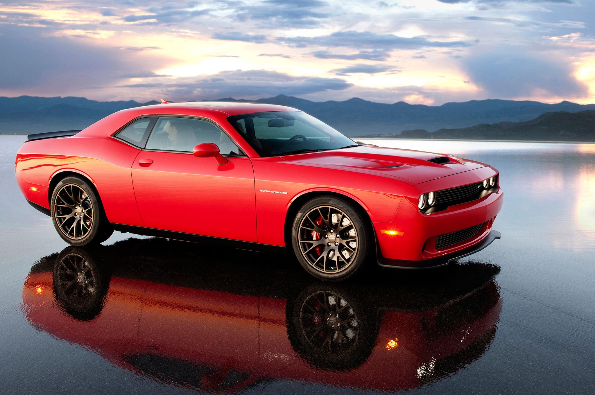 Fastest Muscle Car - 2015 Dodge Challenger SRT Hellcat