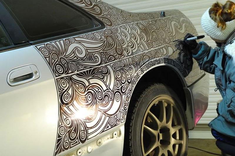 Artist-Creates-Amazing-Car-Custom-Paint-Job-With-Pen-4