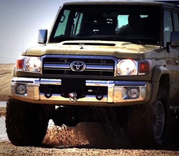 Toyota 76 Land Cruiser 6x6 3