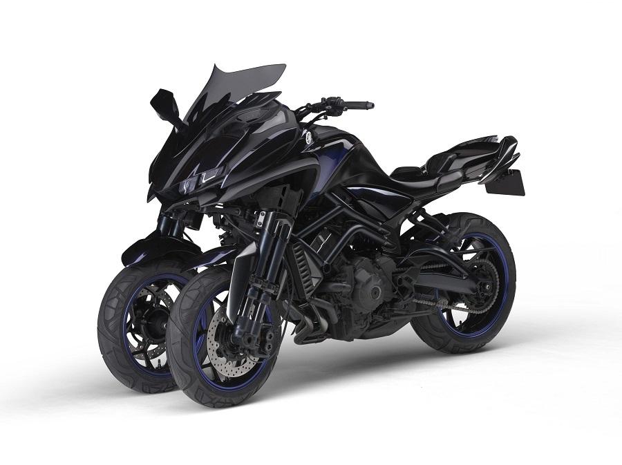 Yamaha MWT-9 Reverse Trike Concept 3