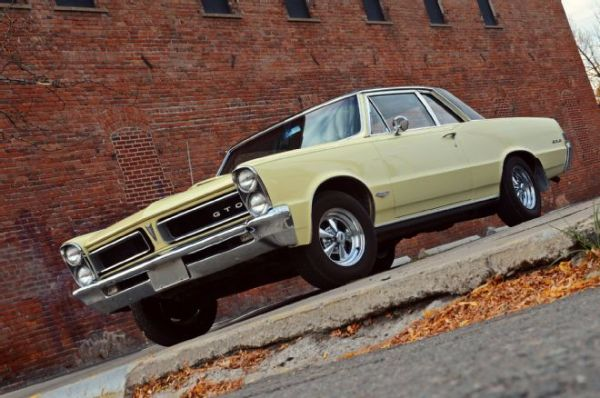1965 Pontiac GTO 11