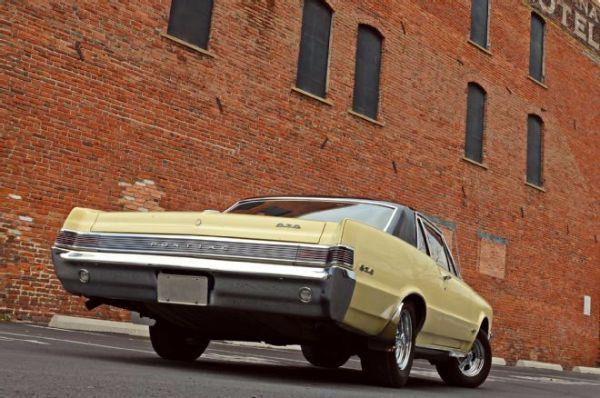 1965 Pontiac GTO 6