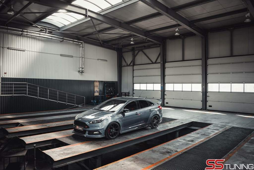SS Tuning Ford Focus ST Sedan Full View