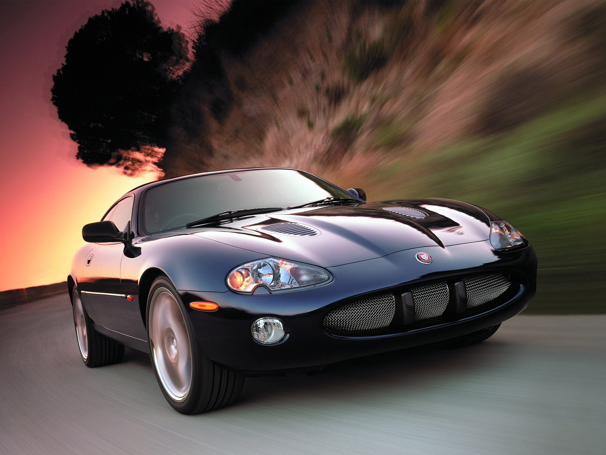 1998 Jaguar XKR coupé is one of many cheap cars that will get you laid