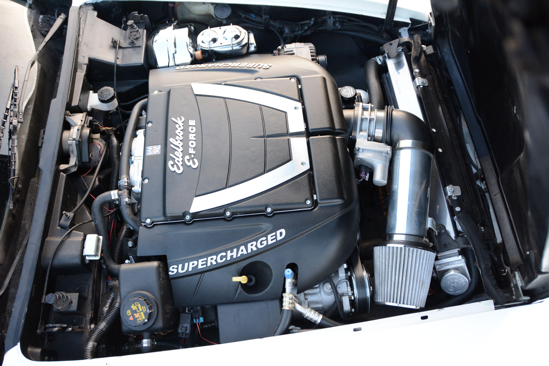 8-1980-chevrolet-corvette-coupe-edelbrock