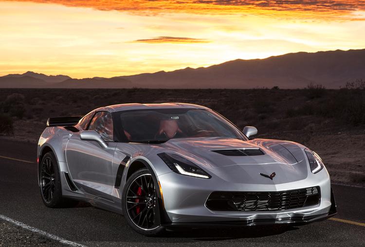 2015-Chevrolet-Corvette-Z06-Front-Silver