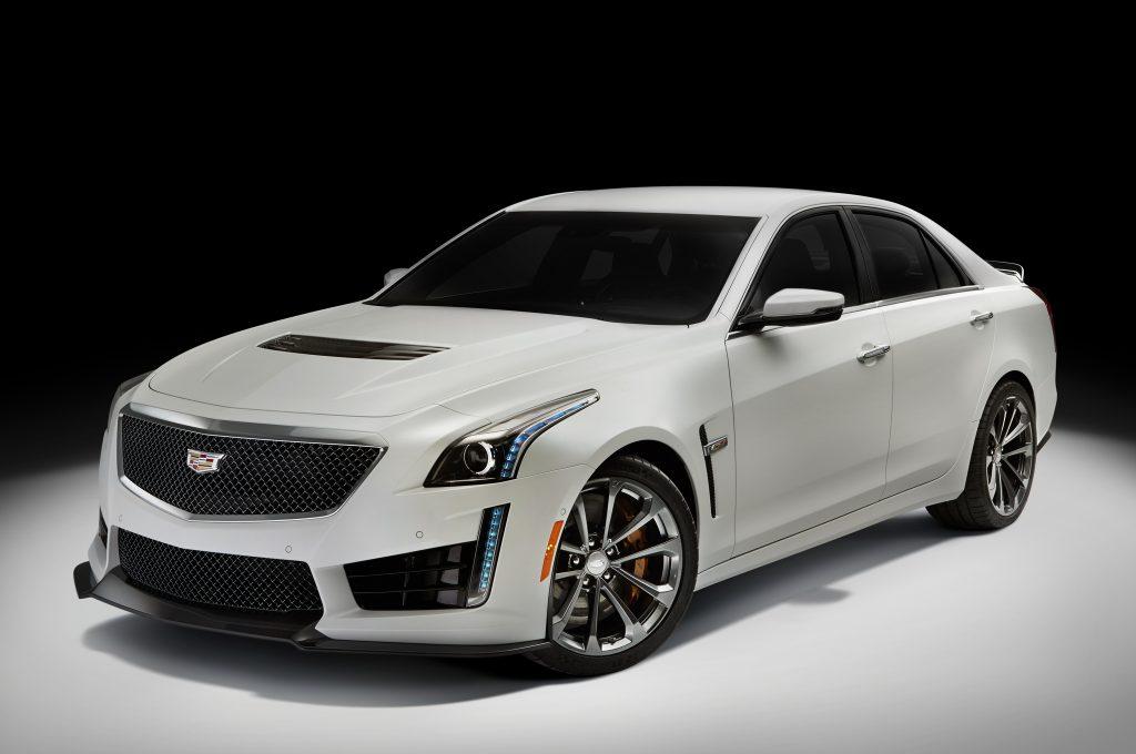 2016-Cadillac-CTS-V-promo