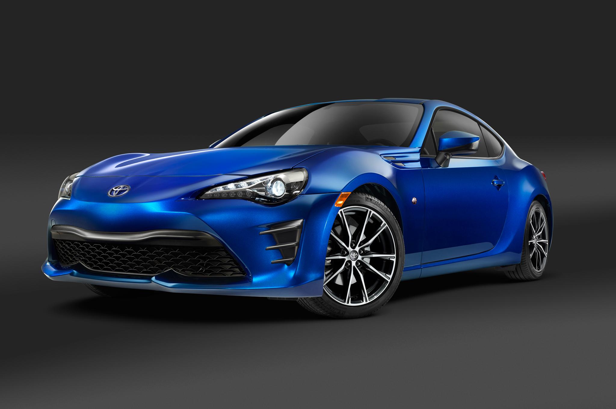 Sleek Cars - 2017-Toyota-86-front-three-quarter