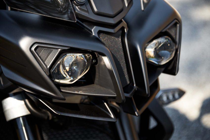 2017 Yamaha FZ-10 Specs 9