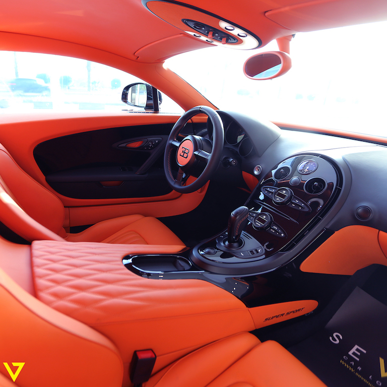 A Veyron with Artistic Flair is On Sale in Saudi Arabia (interior 2)
