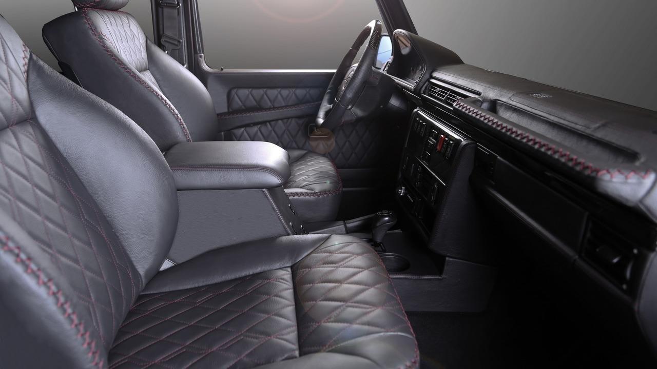 Carbon Motors Removes All Plastic Bits from Mercedes G-Class' Interior (interior III)